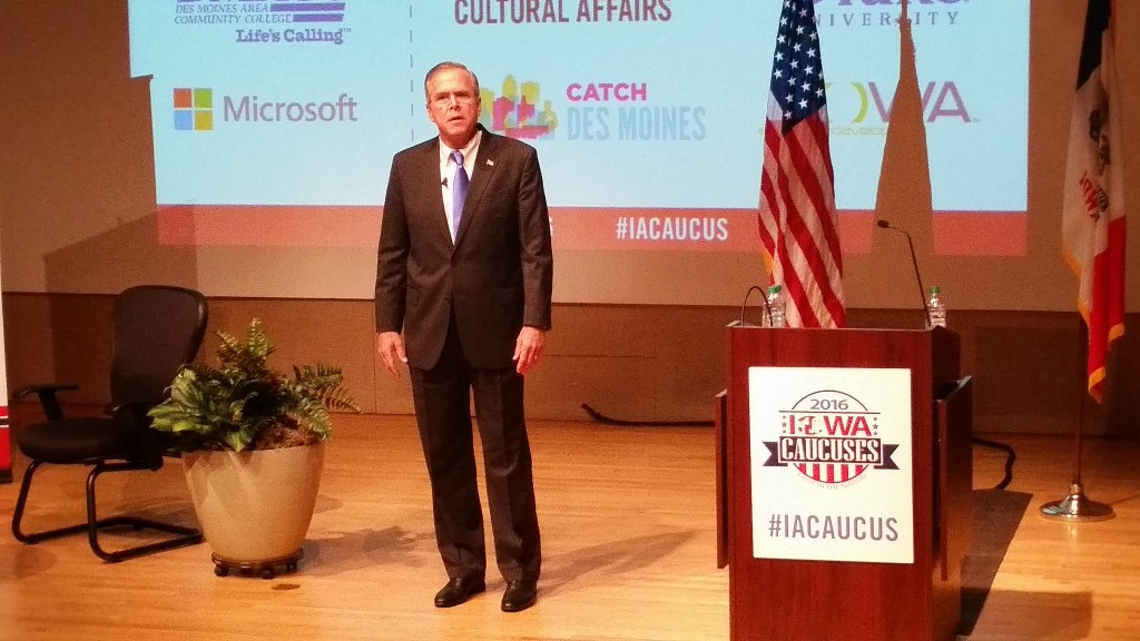 Jeb Bush speaking at the Iowa Caucus Consortium Candidate Forum. Photo by Zachary Blevins.