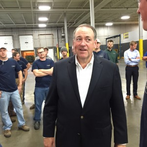Huckabee visits Quality Manufacturing Corporation. Photo by Aaron Feldman