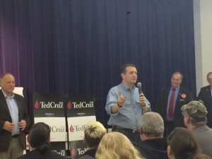 Ted Cruz makes a retail campaign stop at Goldfield Old Schoolhouse. (photo by Veronica Jandura)